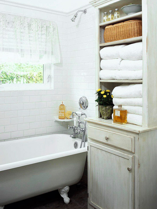 Small Apartment Bathroom Storage Towels