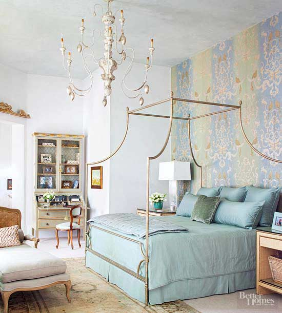10 Ideas To Decorate Above Your Bed