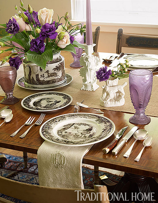I never thought about bringing toile de Jouy to the dinner table! I love all the options for decorating with toile that are shared in this blog post! | #toile #toiledejouy #decoratingwithtoile #interiordecorating #interiordesign #decor #decorideas #homestyling #decoratingwithpattern #homedecor #homestyle #decoratingblog #decorblog #decoratingblogger #designblog #designblogger #interiordecoratingblog #interiordesignblog #learninteriordecorating
