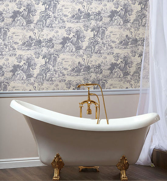 This clawfoot tub looks amazing with the classic toile de Jouy wallpaper. I love all the options for decorating with toile that are shared in this blog post! | #toile #toiledejouy #decoratingwithtoile #interiordecorating #interiordesign #decor #decorideas #homestyling #decoratingwithpattern #homedecor #homestyle #decoratingblog #decorblog #decoratingblogger #designblog #designblogger #interiordecoratingblog #interiordesignblog #learninteriordecorating